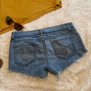 AMERICAN RAG CUT OFF SHORTS
